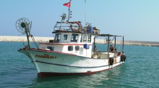 Orta Halli Balıkçı Teknesi
